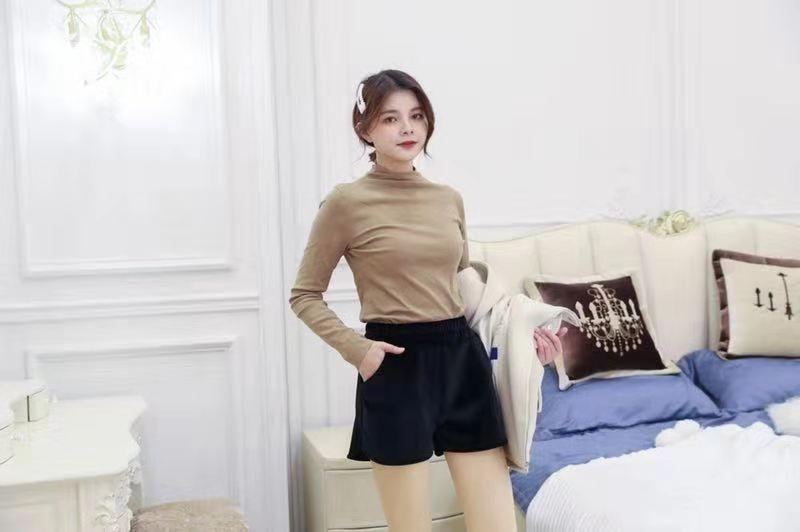 嗨团金丝绒短裤76.jpg