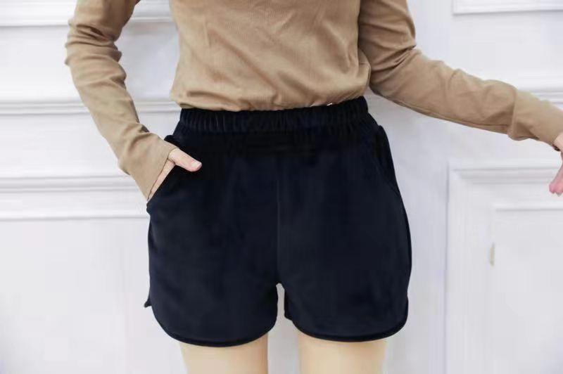 嗨团金丝绒短裤72.jpg