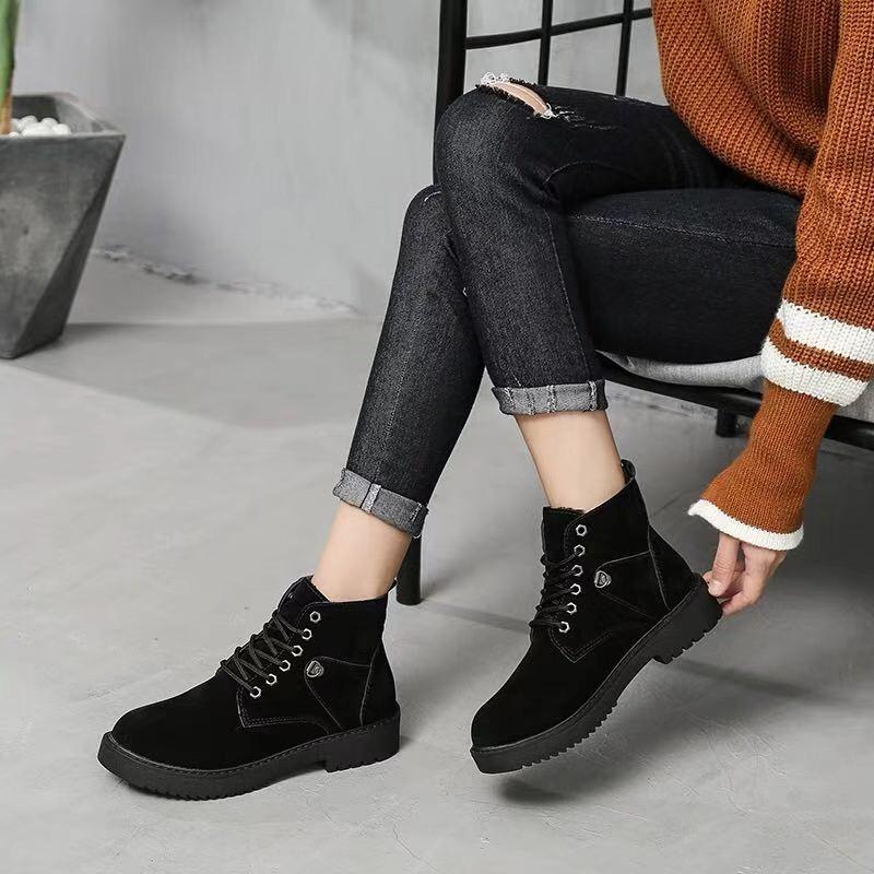 嗨团团购女款马丁靴31.jpg