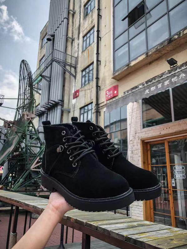 嗨团团购女款马丁靴38.jpg